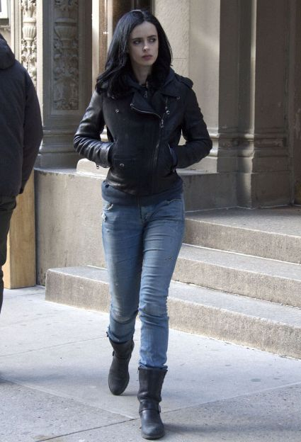 krysten-ritter-on-the-set-of-a-k-a-jessica-jones-in-new-york-city-march-2015_8
